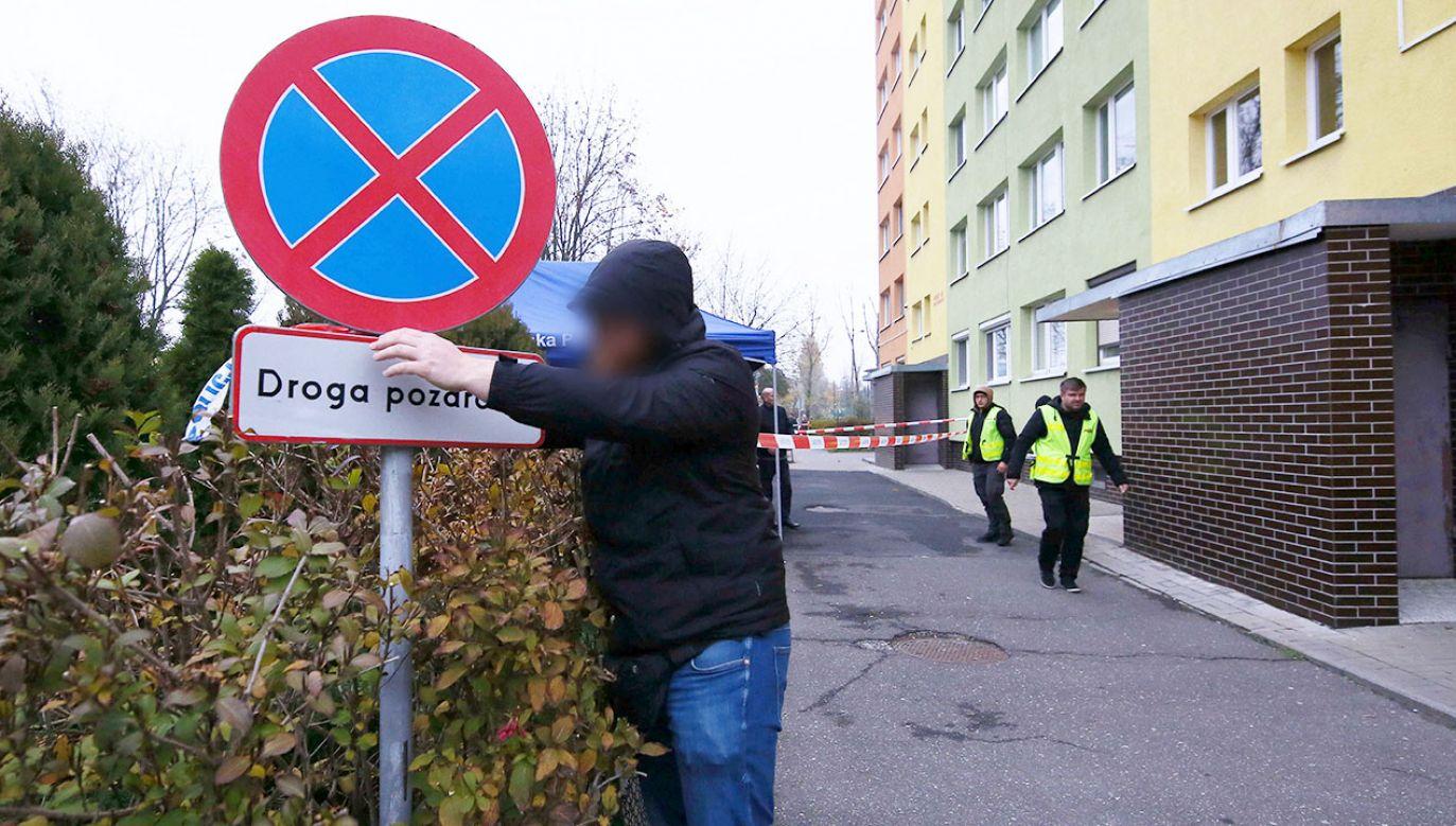 Funkcjonariusz policji nie został na razie przesłuchany ze względu na stan zdrowia (fot. PAP/Tomasz Wojtasik)