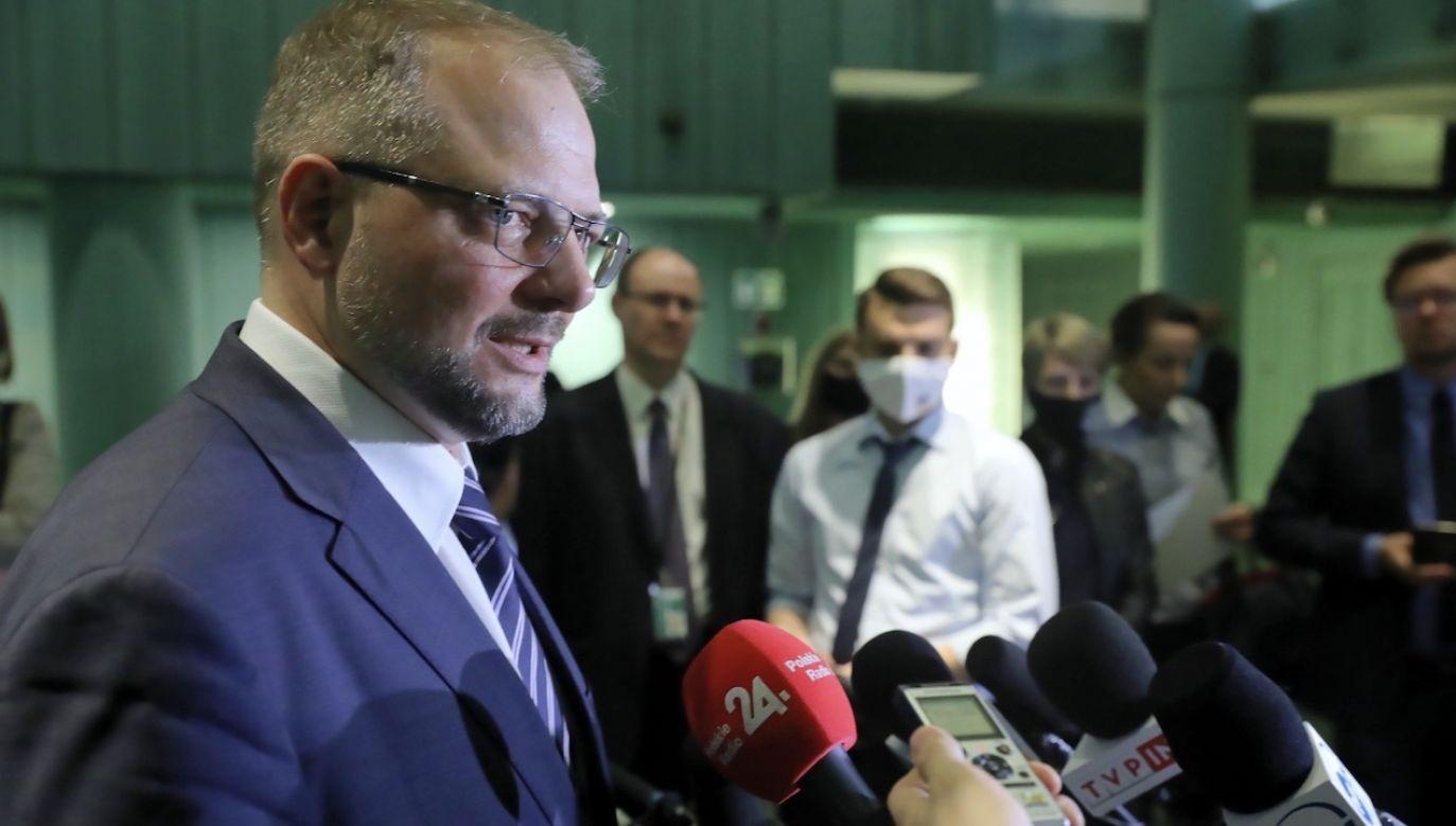 Istnieje duże niebezpieczeństwo, iż ci, którzy interpretują prawo, będą je przepisywać na nowo – powiedział rzecznik Sądu Najwyższego prof. Aleksander Stępkowski (fot. PAP/Tomasz Gzell)