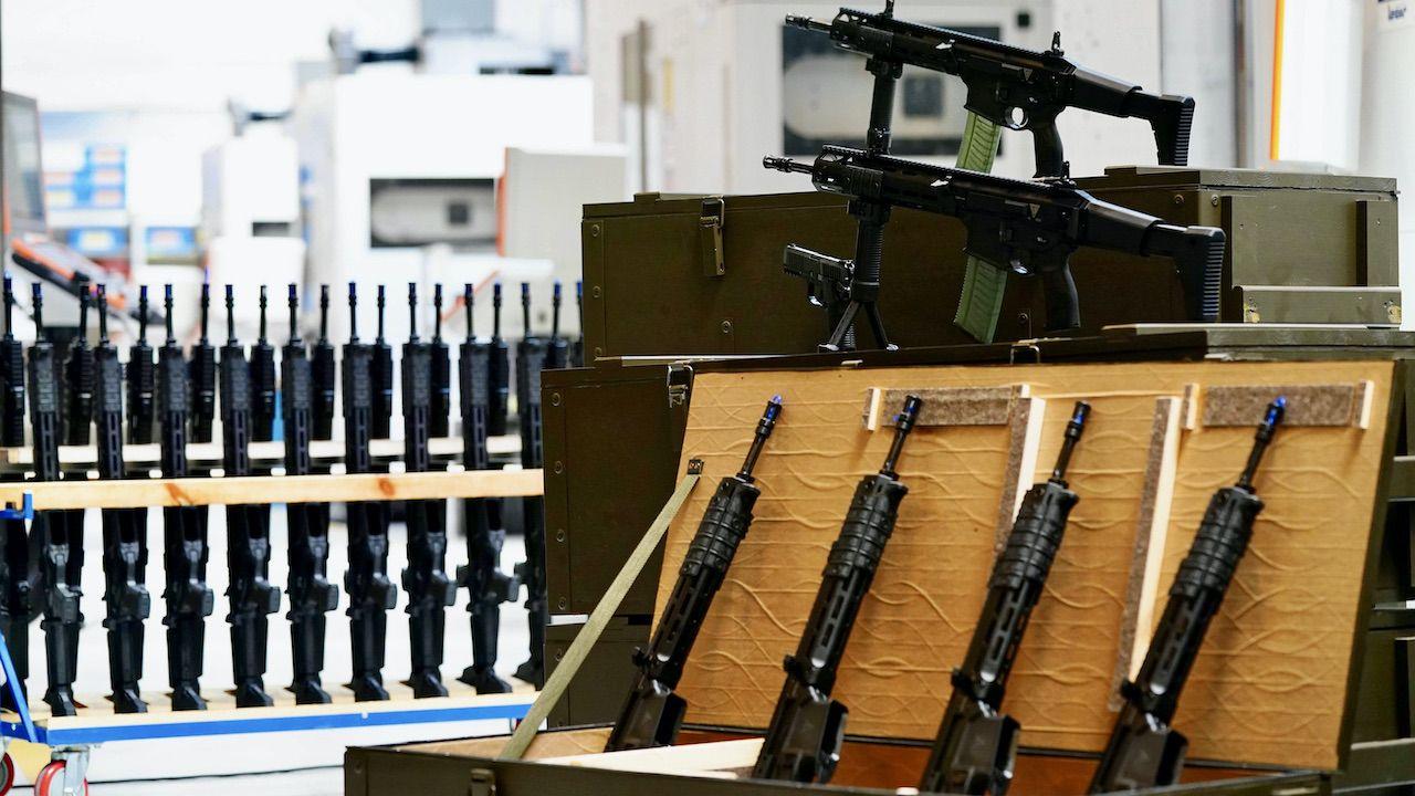 """""""Karabinki Grot nie są zawodne, żadna broń nie jest doskonała""""(fot. arch.PAP/M.Marek)"""