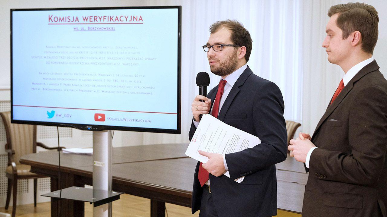 Decyzje wydane w poniedziałek były kolejnymi rozstrzygnięciami ws. nieruchomości przy Borzymowskiej  (fot. PAP/Mateusz Marek)