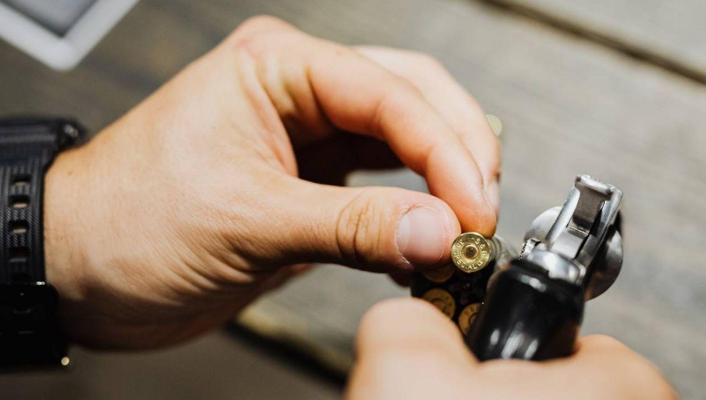 30-latek wdał się w strzelaninę z policjantem (fot. Pexels)