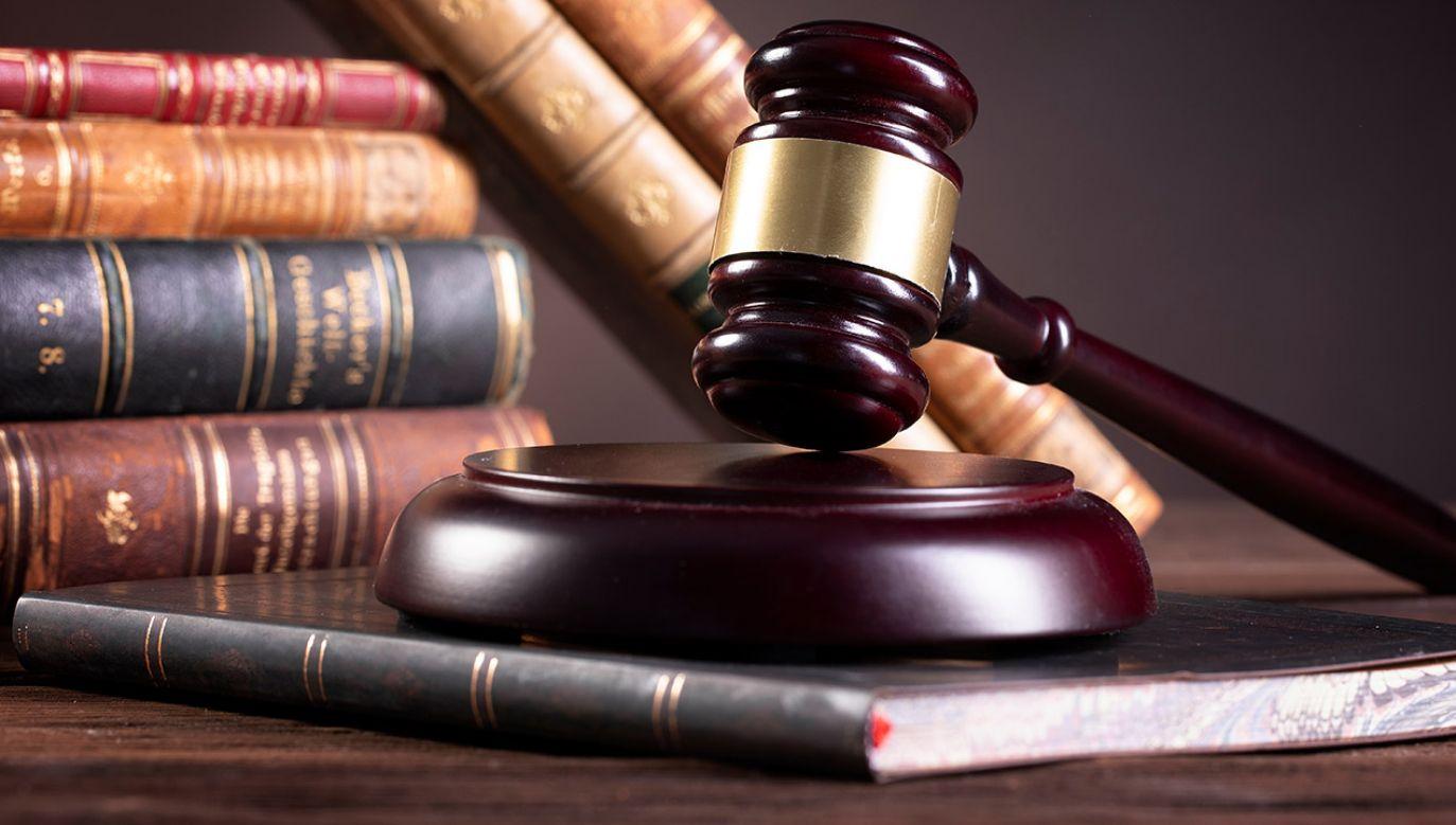 Posłowie PiS złożyli w czwartek projekt noweli przepisów o ustroju sądów i SN (fot. Shutterstock/lusia83)