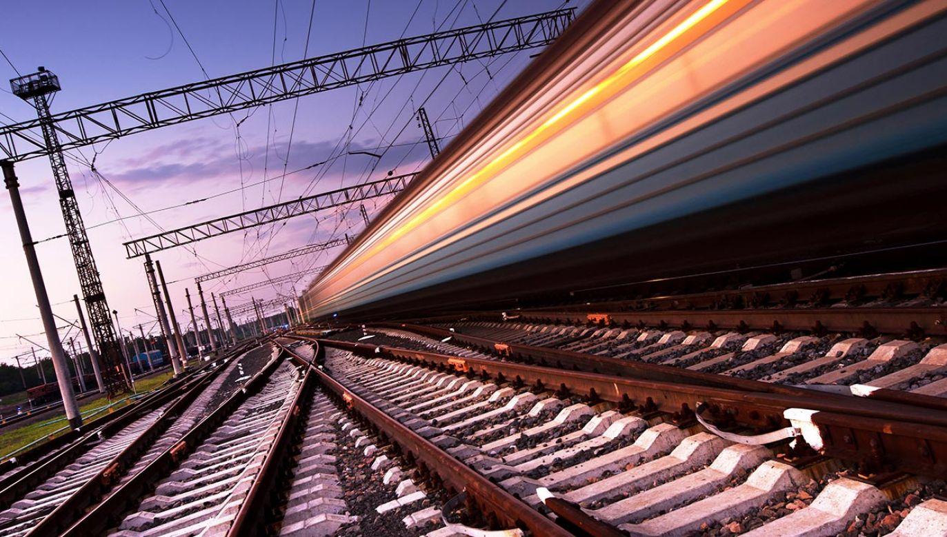 Transeuropejski korytarz ma być gotowy w 2026 roku (fot. Shutterstock/Denis Belitsky)