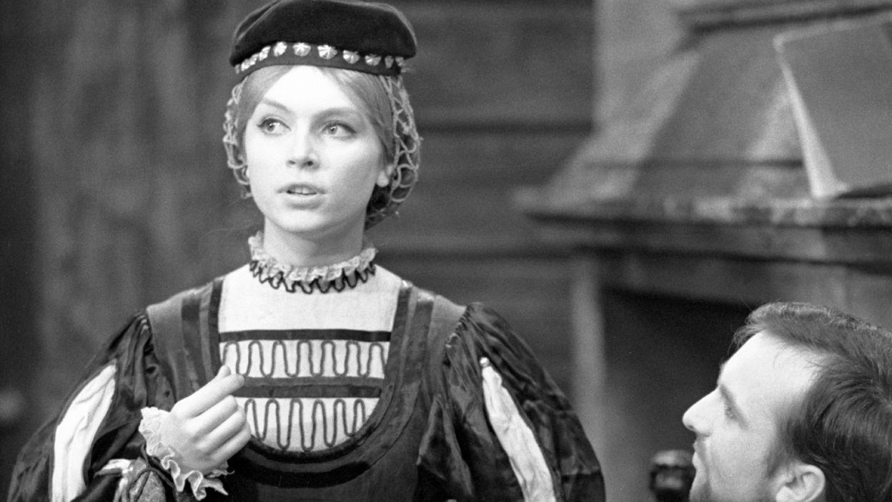 """Ewa Wiśniewska zadebiutowała w Teatrze Telewizji w 1964 roku, w """"Drodze do Czarnolasu""""  (fot. TVP)"""