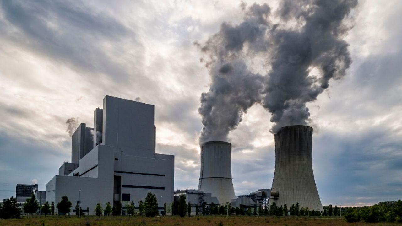 Elektrownia węglowa w Boxberg w Saksonii, przy granicy z Polską (fot. Frank Bienewald/LightRocket via Getty Images)