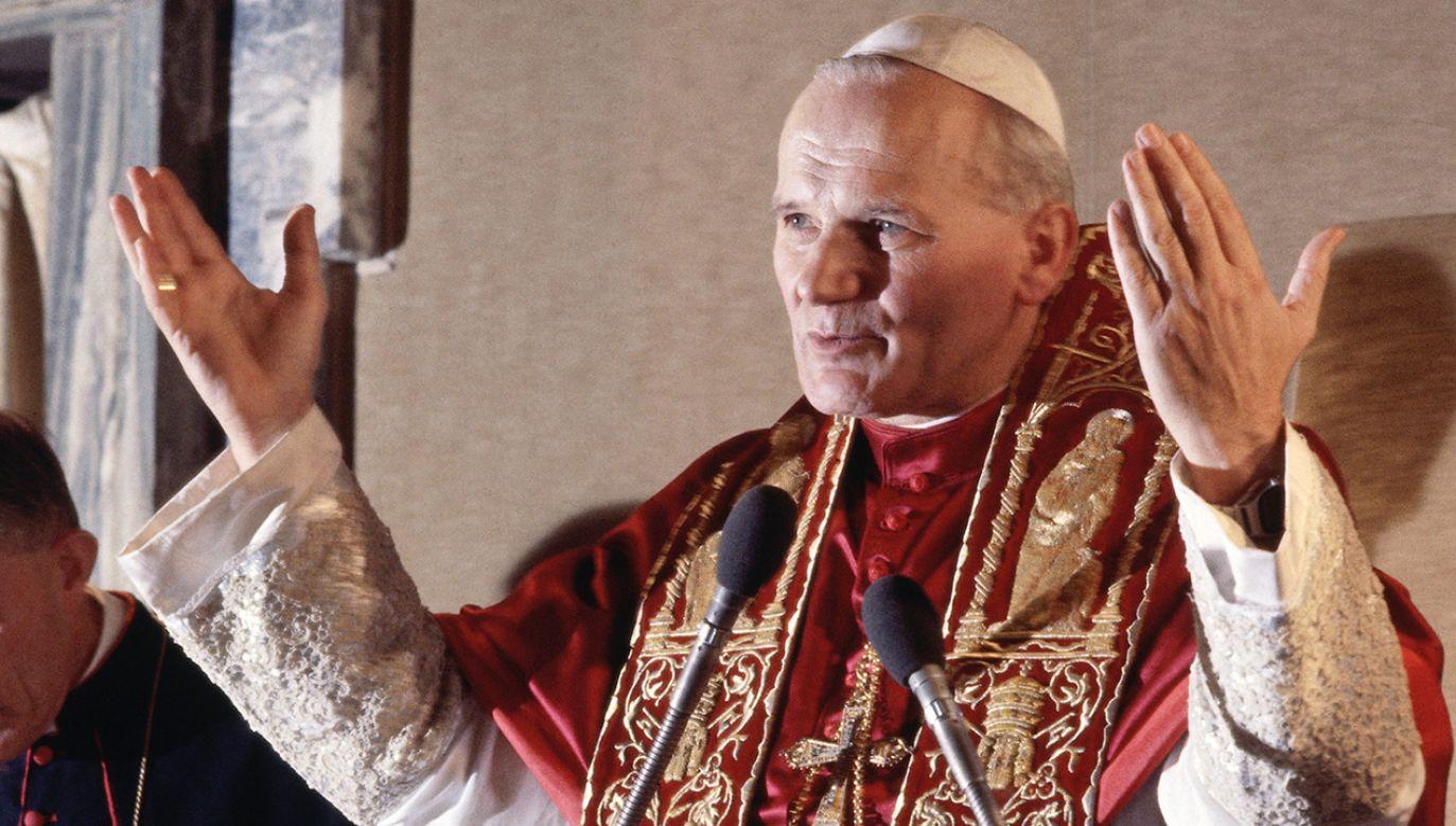 Po raz pierwszy od 455 lat wspólnocie katolickiej przewodził papież, który nie był Włochem (fot. Bettmann / Contributor/Getty Images)