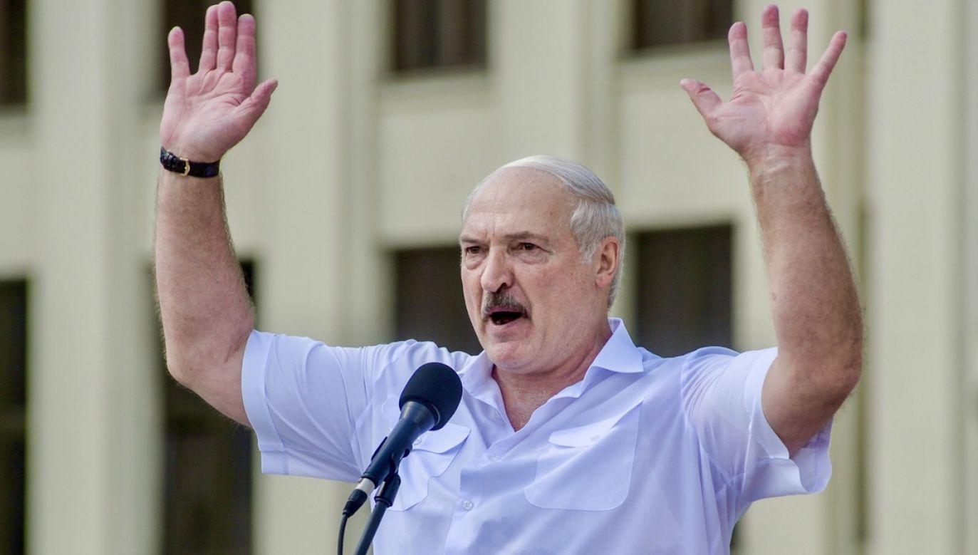 """Zarówno dla Mińska, jak i dla Moskwy celem podstawowym jest """"wyciszenie"""" protestów na Białorusi (fot. PAP/EPA/YAUHEN YERCHAK)"""