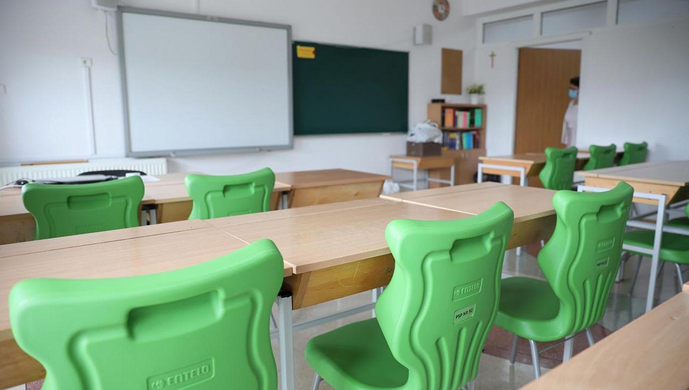 Co z przedszkolami i najmłodszymi klasami podstawówek? (fot. PAP/Leszek Szymański)