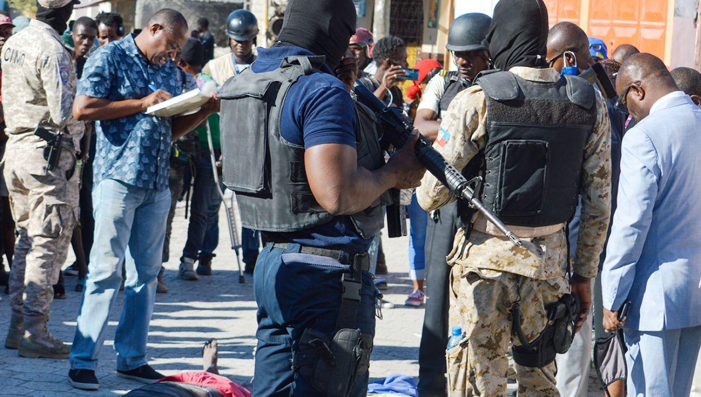 Na Haiti gangster uciekł z więzienia (fot. PAP/EPA/Tcharly Coutin)