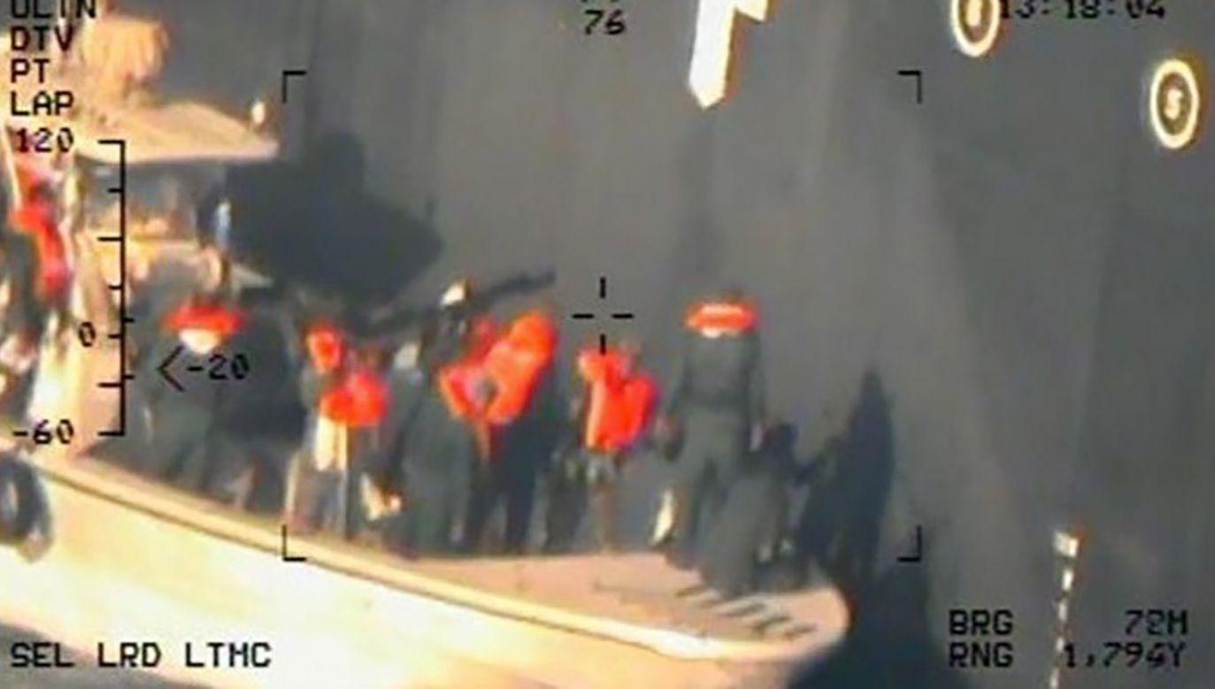 Napięcie między Waszyngtonem a Teheranem wzrosło po ataku na tankowce w rejonie Zatoki Omańskiej (fot. PAP/EPA/US DEPARTMENT OF DEFENSE HANDOUT)