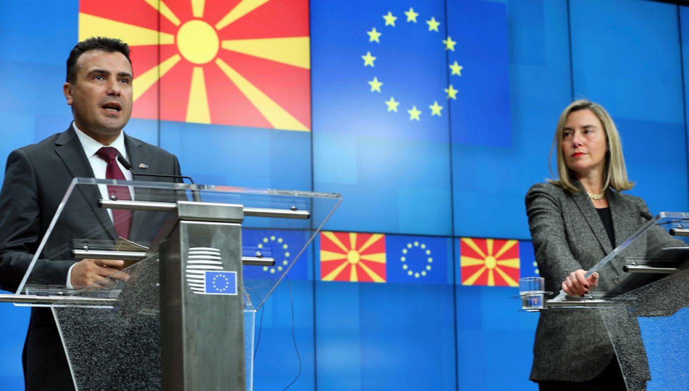Premier Macedonii Płn. Zoran Zaew i wysoki przedstawiciel UE ds. zagranicznych i polityki bezpieczeństwa Federica Mogherini (fot. Dursun Aydemir/Anadolu Agency/Getty Images)