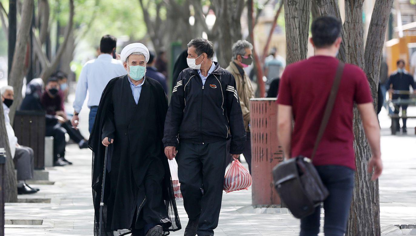 Czwarta fala koronawirusa w Iranie (fot. Fatemeh Bahrami/Anadolu Agency via Getty Images)