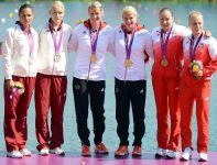 Beata Mikołajczyk i Karolina Naja na olimpijskim podium (fot. Getty Images)