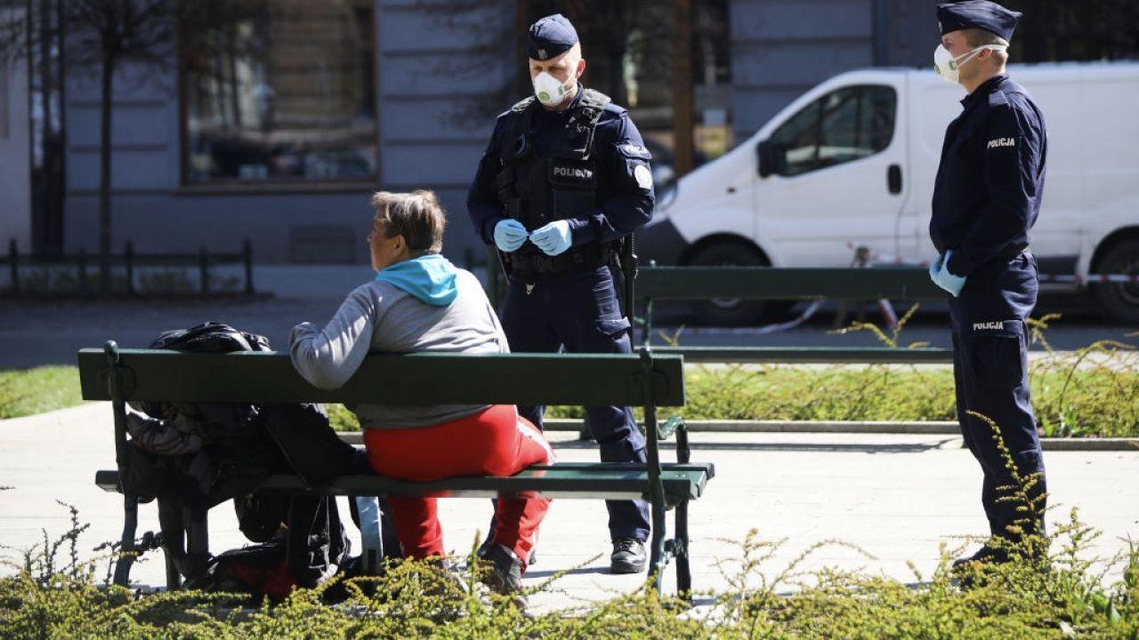 Test wykazał, że mężczyzna miał koronawirusa (fot. Beata Zawrzel/NurPhoto via Getty Images, zdjęcie ilustracyjne)