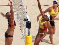 Juliana i Larissa pokonały Holenderki van Gestel i Meppelink i są w ćwierćfinale (fot. Getty Images)