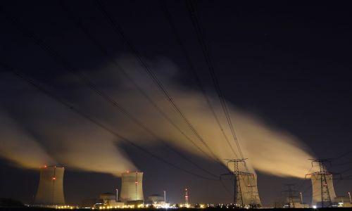 Na 8. miejscu jest francuska elektrownia Cattenom, która znajduje się blisko miasteczka Thionville, tuż przy granicy z Luksemburgiem. Moc 5 tys 200 MW. Fot. REUTERS/Vincent Kessler