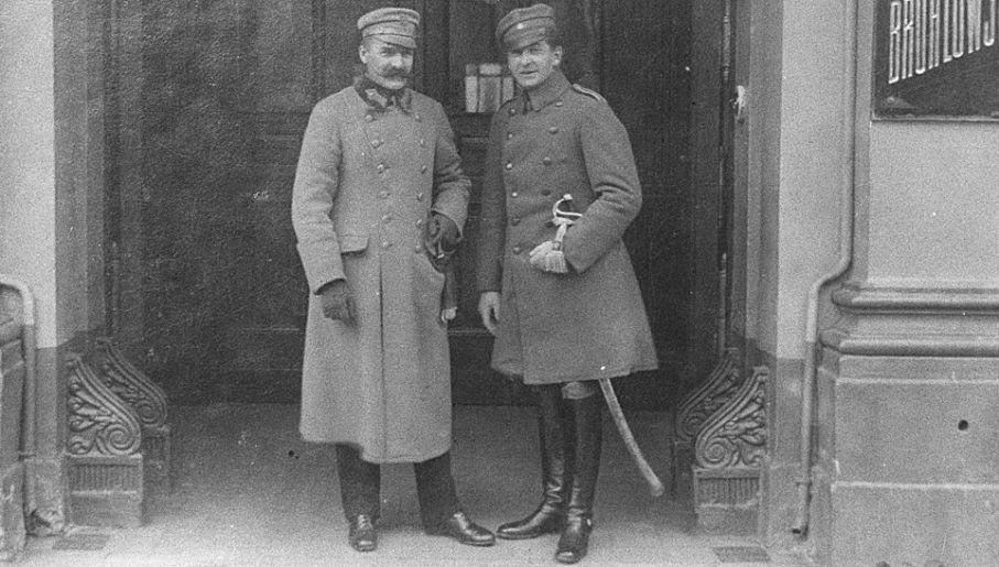 Marszałek Józef Piłsudski i jego wierny adiutant (fot. arch.PAP/CAF/reprod.)