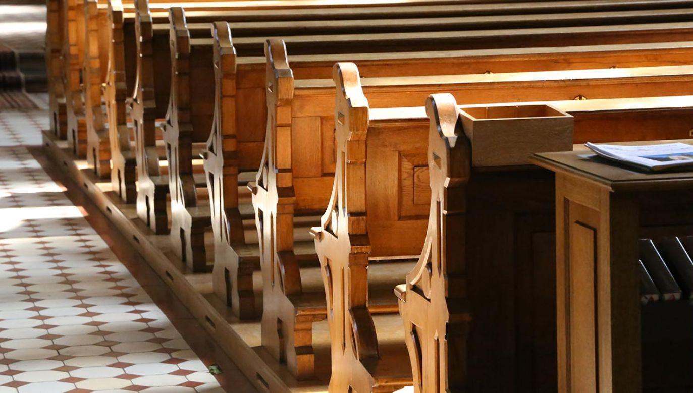 Podejrzanego zatrzymano dzięki nagraniom z monitoringu w kościele (fot. Shutterstock/ Maleo)
