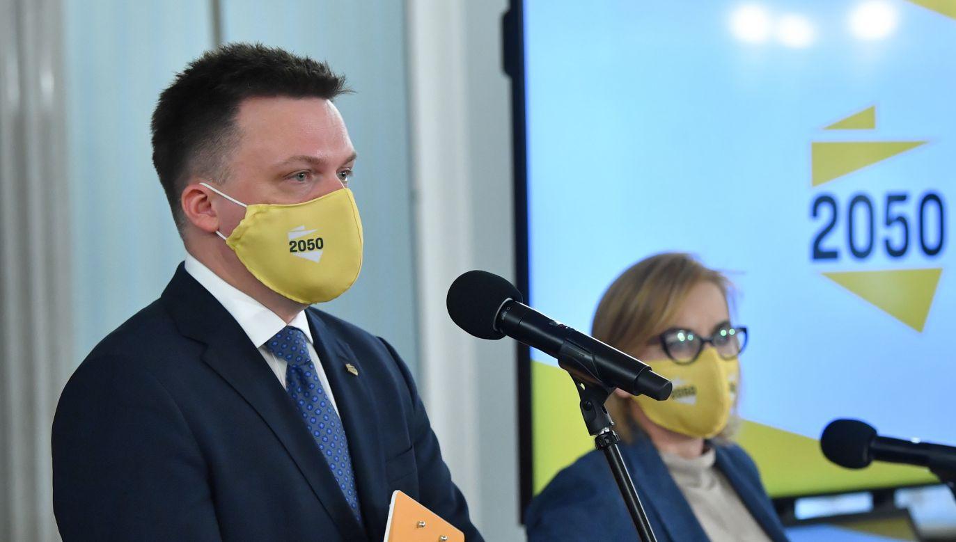 Lider Polski 2050 Szymon Hołownia i Paulina Hennig-Kloska (fot. PAP/Radek Pietruszka)