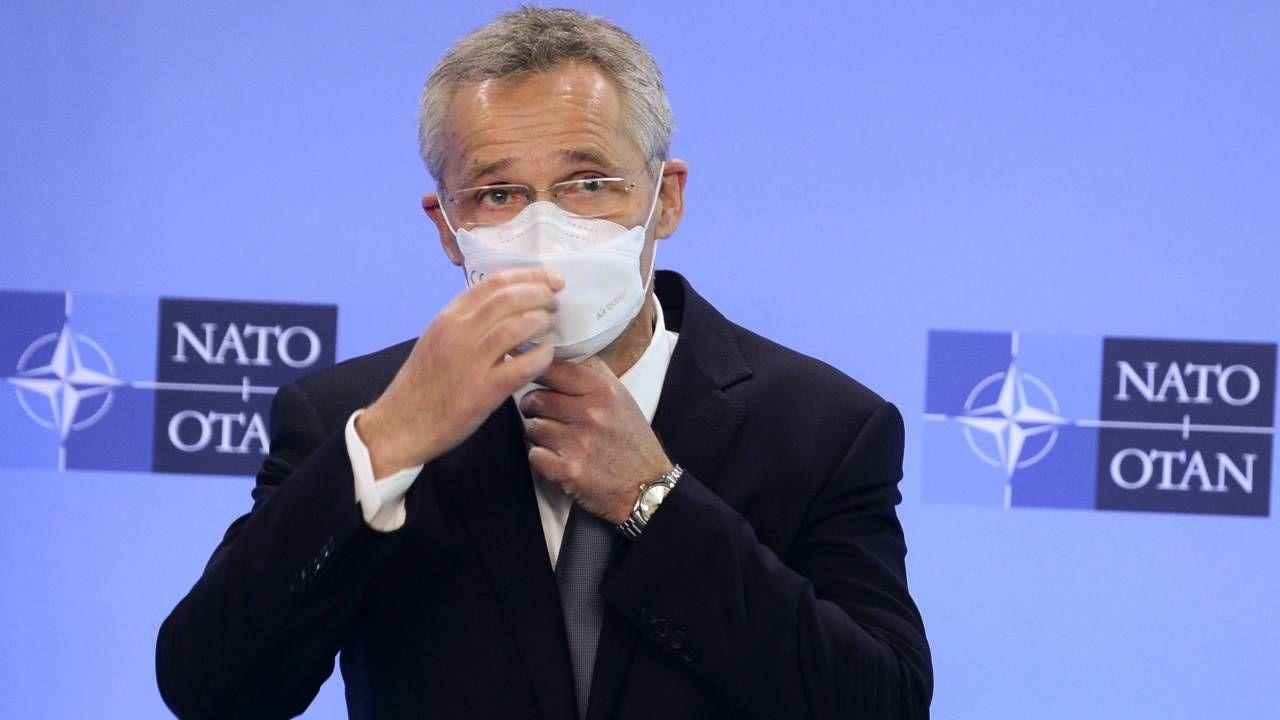 Stoltenberg chce zacieśnienia związków w Sojuszu (fot. PAP/EPA/JOHANNA GERON / POOL)