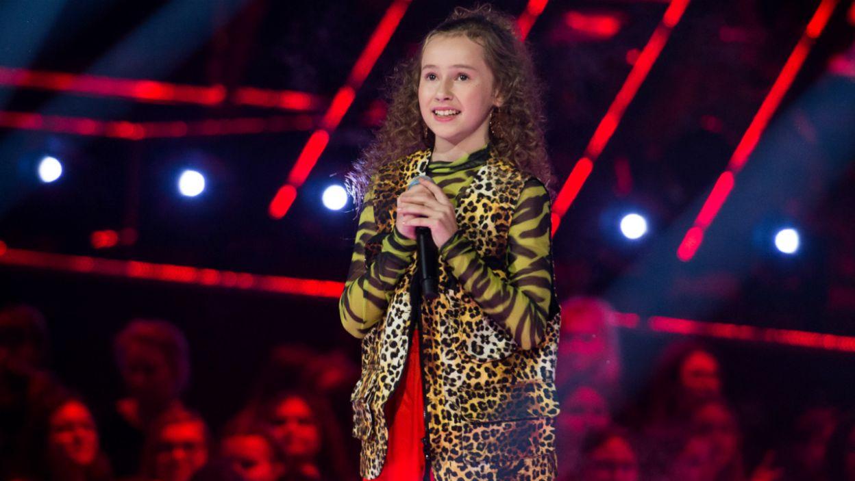 Aby przejść dalej, uczestnicy musieli przekonać trenerów i zaśpiewać jak najlepiej (fot. TVP)