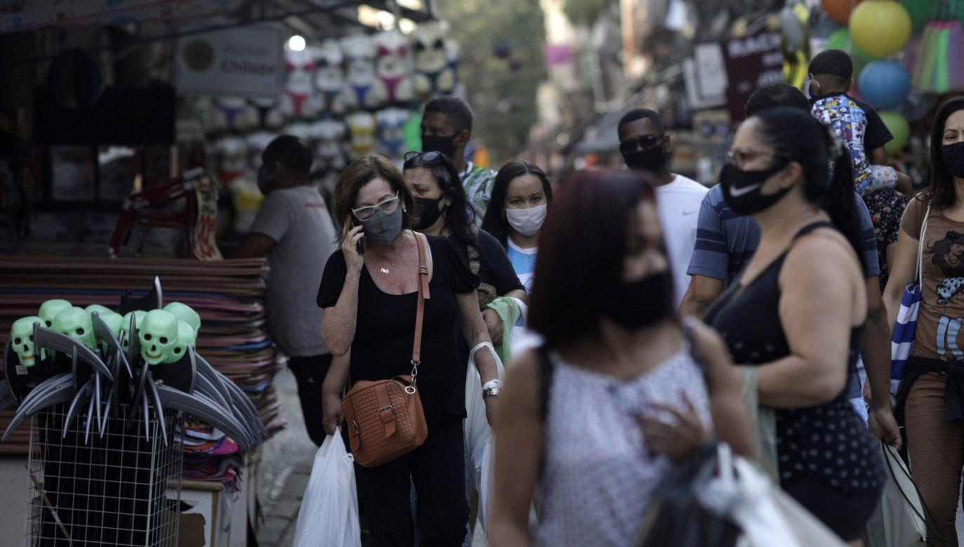Brazylia należy do krajów najbardziej dotkniętych epidemią (fot. Reuters/Ricardo Moraes)