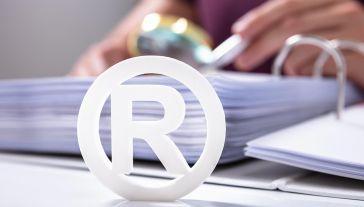 Kradzież znaków towarowych to w Państwie Środka sposób na dochodowy biznes (fot. Shutterstock/Andrey_Popov)