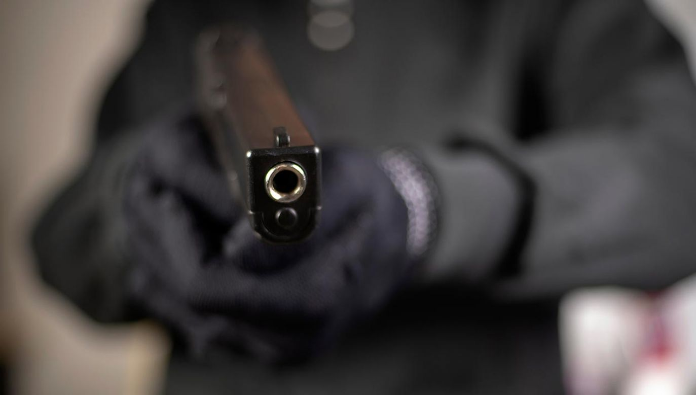 Mężczyźni oskarżeni o napad z bronią (fot.Shutterstock/Lovely Bird)