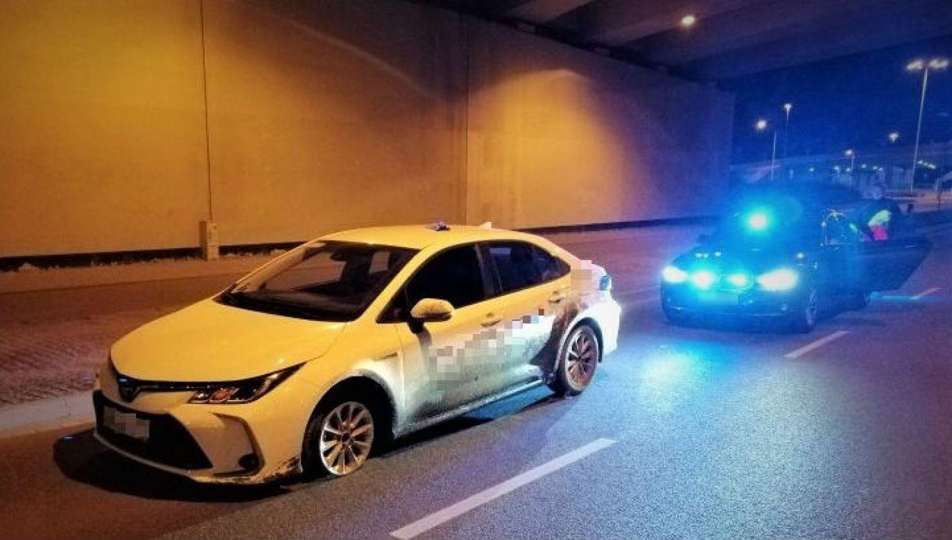 Finał przejażdżki bez felgi (fot. dolnoslaska.policja.gov.pl)