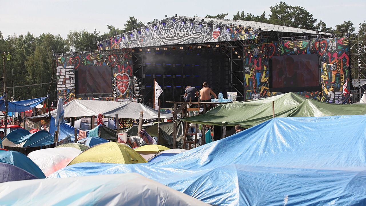 Podczas festiwalu zmarły dwie osoby, odnotowano 121 przestępstw i 91 wykroczeń. Policja interweniowała 500 razy (fot. PAP/Lech Muszyński)