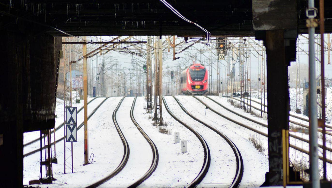 Powodem opóźnień jest awaria urządzeń sterowania ruchem kolejowym (fot. Shutterstock/Grand Warszawski)