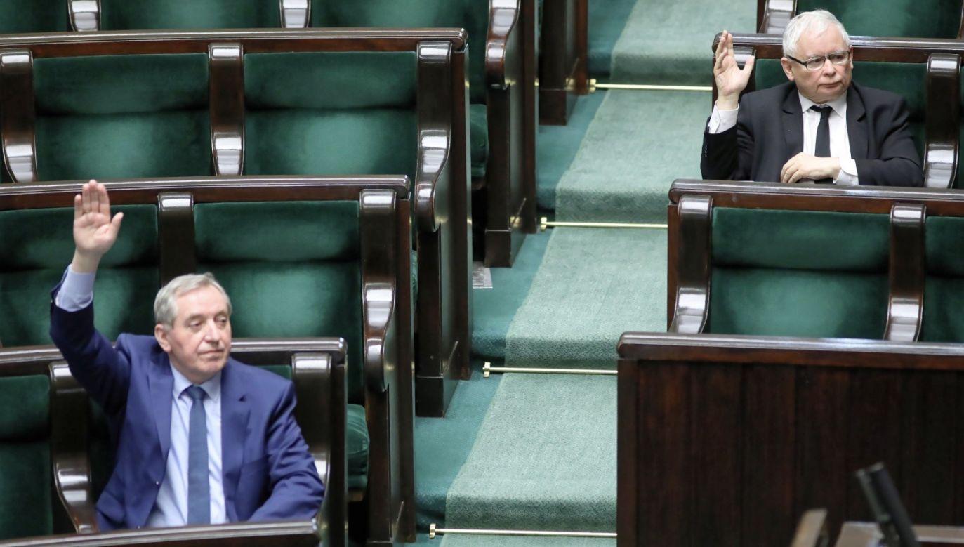 Za odrzuceniem opowiedziało się 235 posłów, 212 było przeciw, 11 wstrzymało się od głosu (fot. PAP/Leszek Szymański)