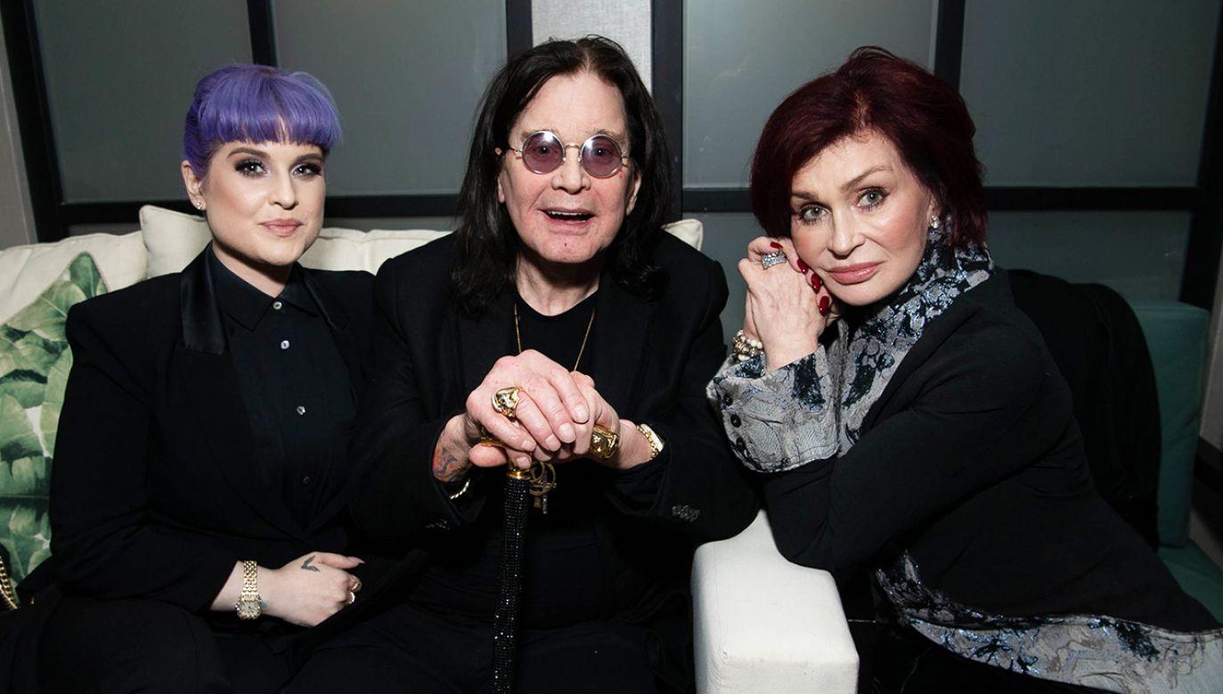 Ozzy Osbourne wraz z córką Kelly i żoną Sharon (fot. Emma McIntyre/Getty Images)