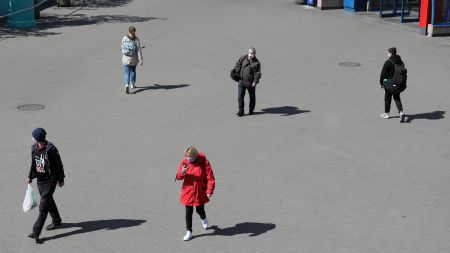 Epidemia nadal trwa, choć sytuacja w Polsce jest ustabilizowana (zdjęcie ilustracyjne, fot. PAP/Paweł Supernak)