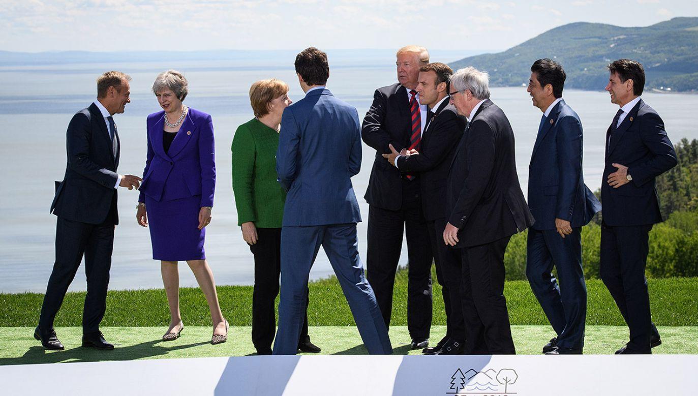 """W opinii Piotra Borysa, """"jeśli nie było skandalu politycznego po, to znaczy, że był to gest przyjaźni"""" (fot. Leon Neal/Getty Images)"""
