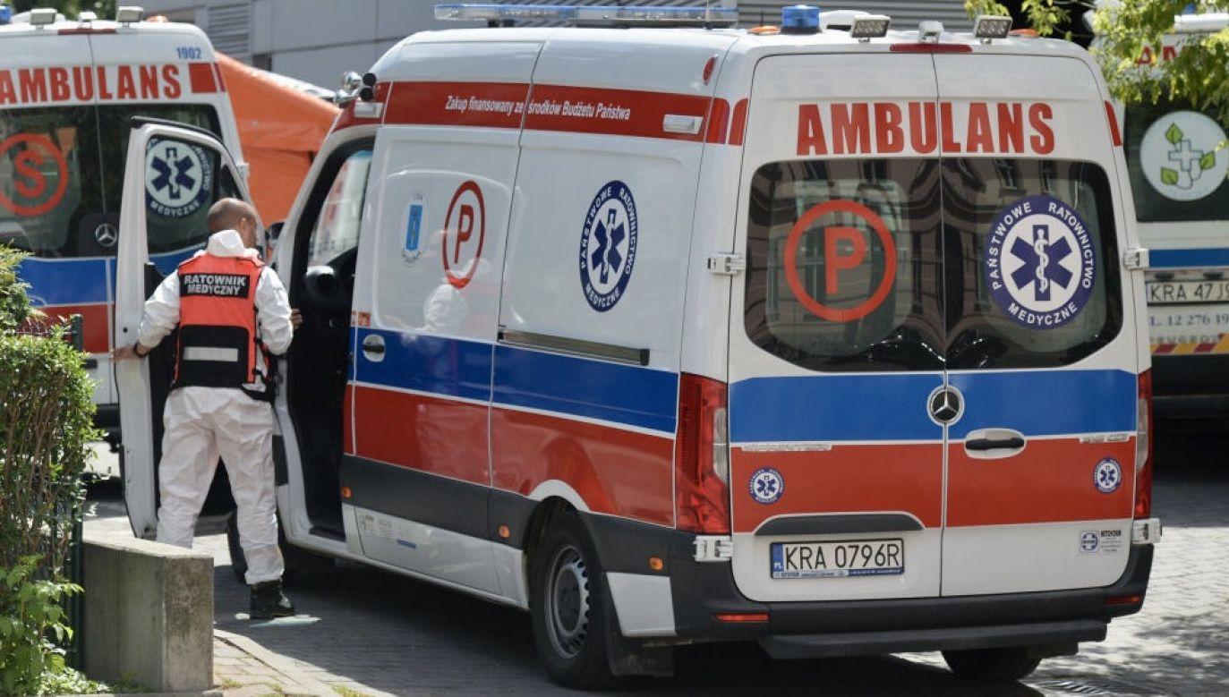 Z powodu epidemii Covid-19 w całej Polsce zmarło 1 594 pacjentów (fot. Artur Widak/NurPhoto via Getty Images)