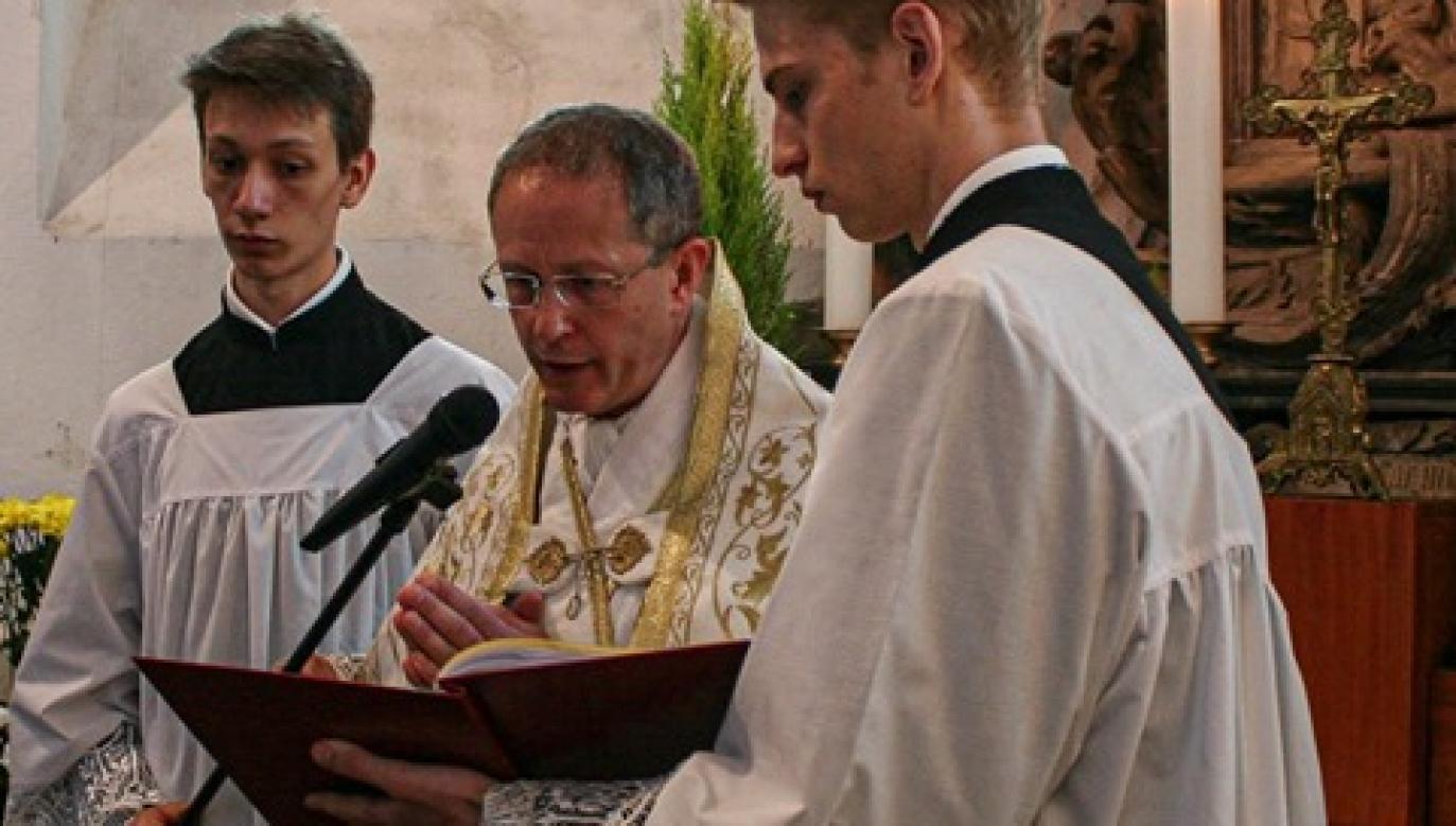 Napadnięty przez nożownika kapłan posługuje w Duszpasterstwie Wiernych Tradycji Łacińskiej w Archidiecezji Wrocławskiej (fot. FB/tradycja.lacinska.wroclaw)