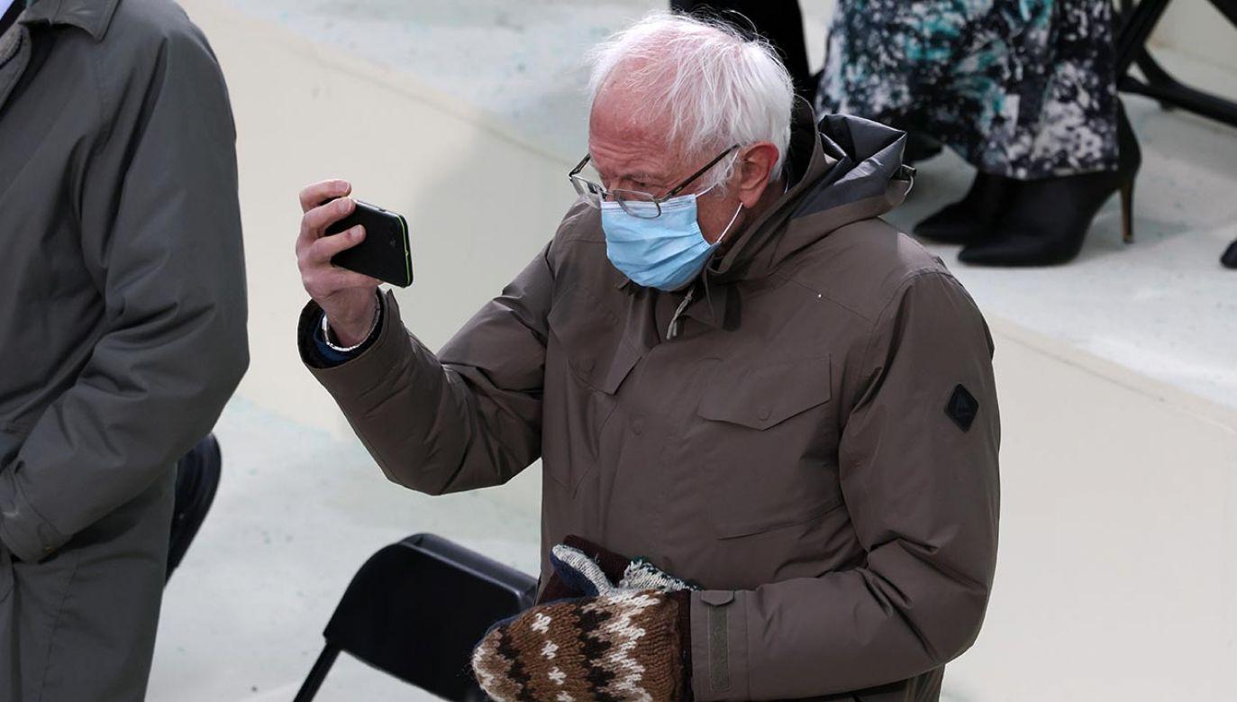 Zdjęcie Berniego Sandersa to ostatnio najpopularniejszy mem (fot. Tasos Katopodis/Getty Images)