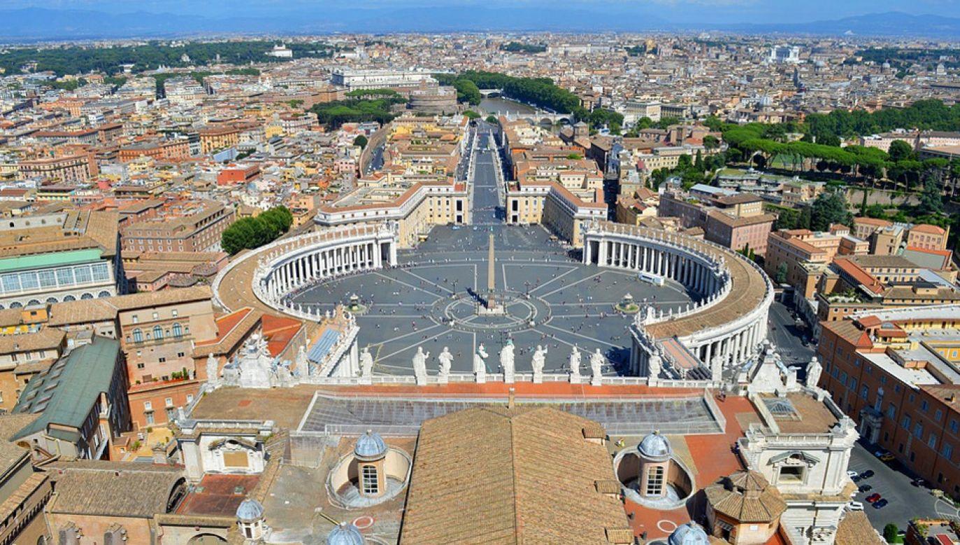 Według dziennikarza Gianluigiego Nuzziego Watykan ma stać wobec realnej groźby bankructwa (fot. Pixabay/digital341)