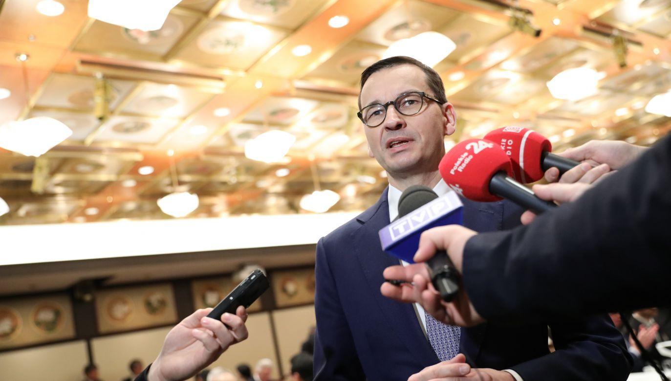 """Premier stwierdził, że rozwiązanie konfliktu z UE zostanie osiągnięte """"bardzo szybko"""".  (fot. PAP/Leszek Szymański)"""