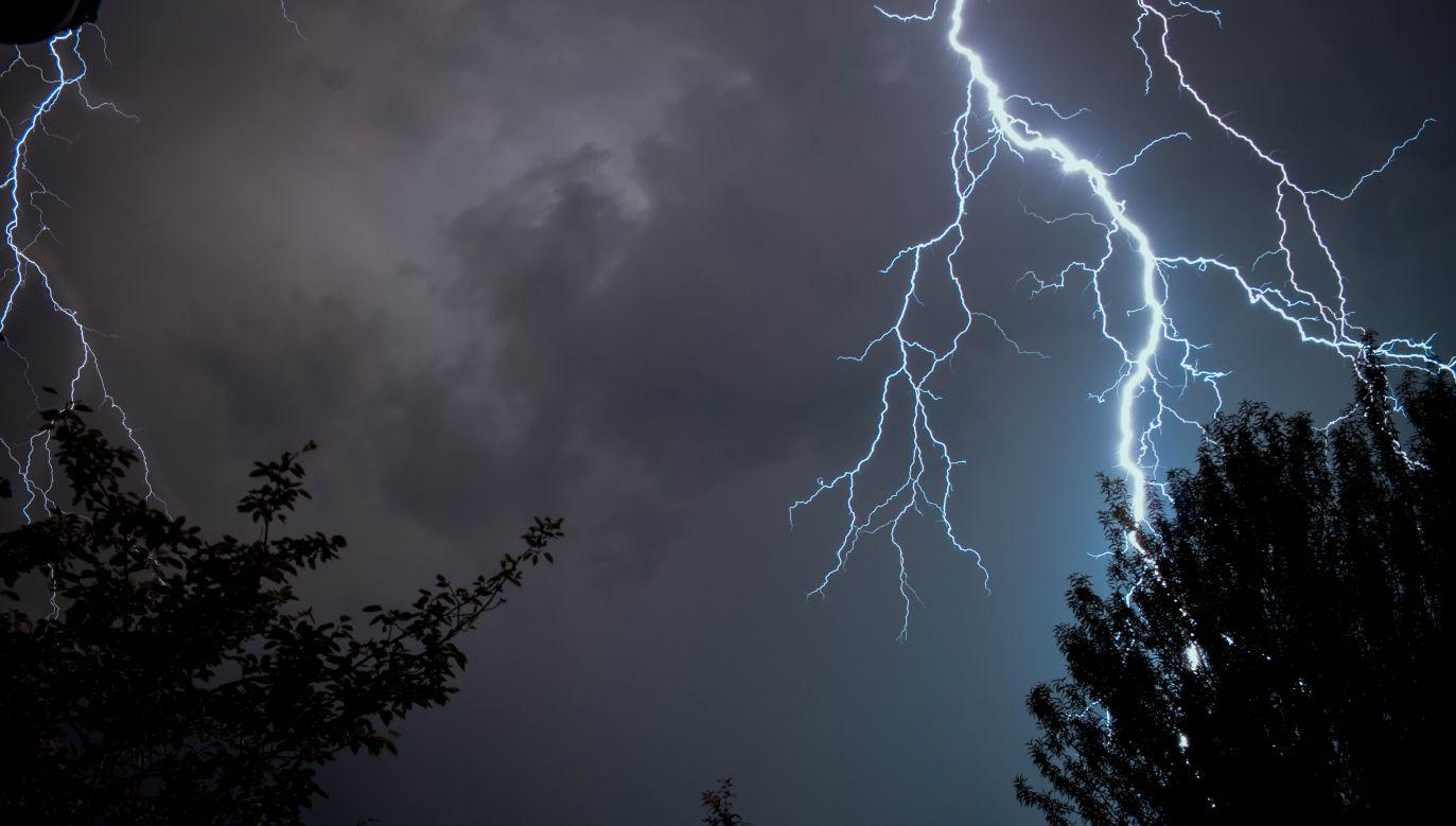 Opadom towarzyszyć będą burze z porywami wiatru do 80 km/h. (fot. unsplashed.com)