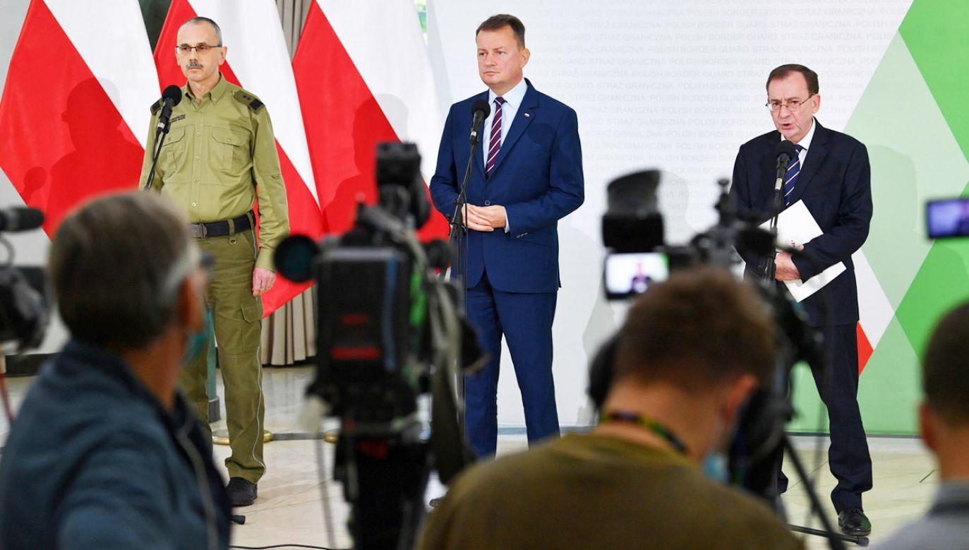 Kim są ludzie próbujący wejść do Polski z Białorusi? (fot. PAP/Radek Pietruszka)