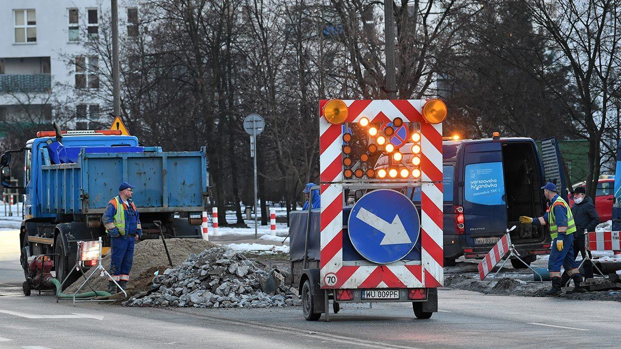 Większość awarii jest w trakcie usuwania (fot. PAP/Radek Pietruszka)