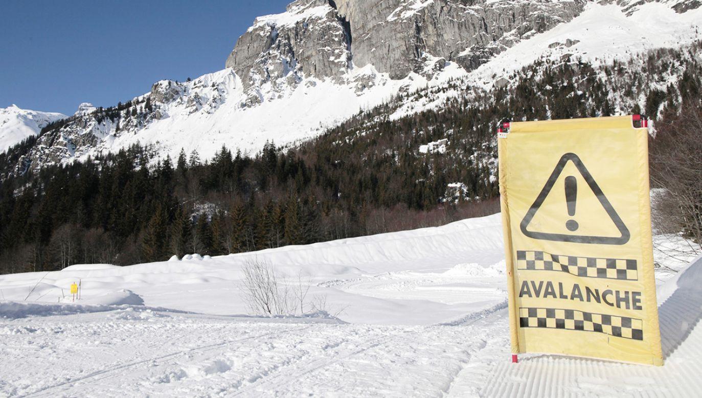 W tym sezonie zimowym we francuskich Alpach zginęło już 35 osób (fot. Godong/Universal Images Group via Getty Images)