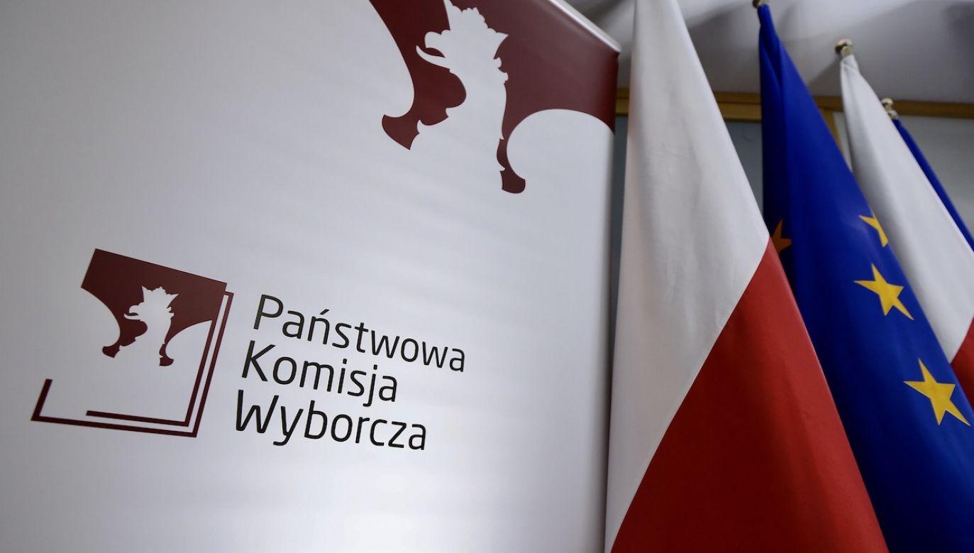 Trwają ostatnie analizy w KPRM dotyczące uchwały PKW i skutków prawnych jej opublikowania (fot. arch.PAP/Marcin Obara)