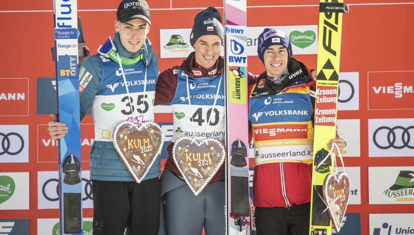 Drugie miejsce zajął Słoweniec Timi Zajc, a trzecie reprezentant Austrii Stefan Kraft (fot. PAP/EPA/Christian Bruna)