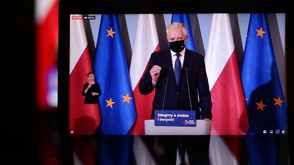 Wicepremier Jarosław Gowin rozmawiał z unijnymi komisarzami(fot. PAP/Marcin Obara)