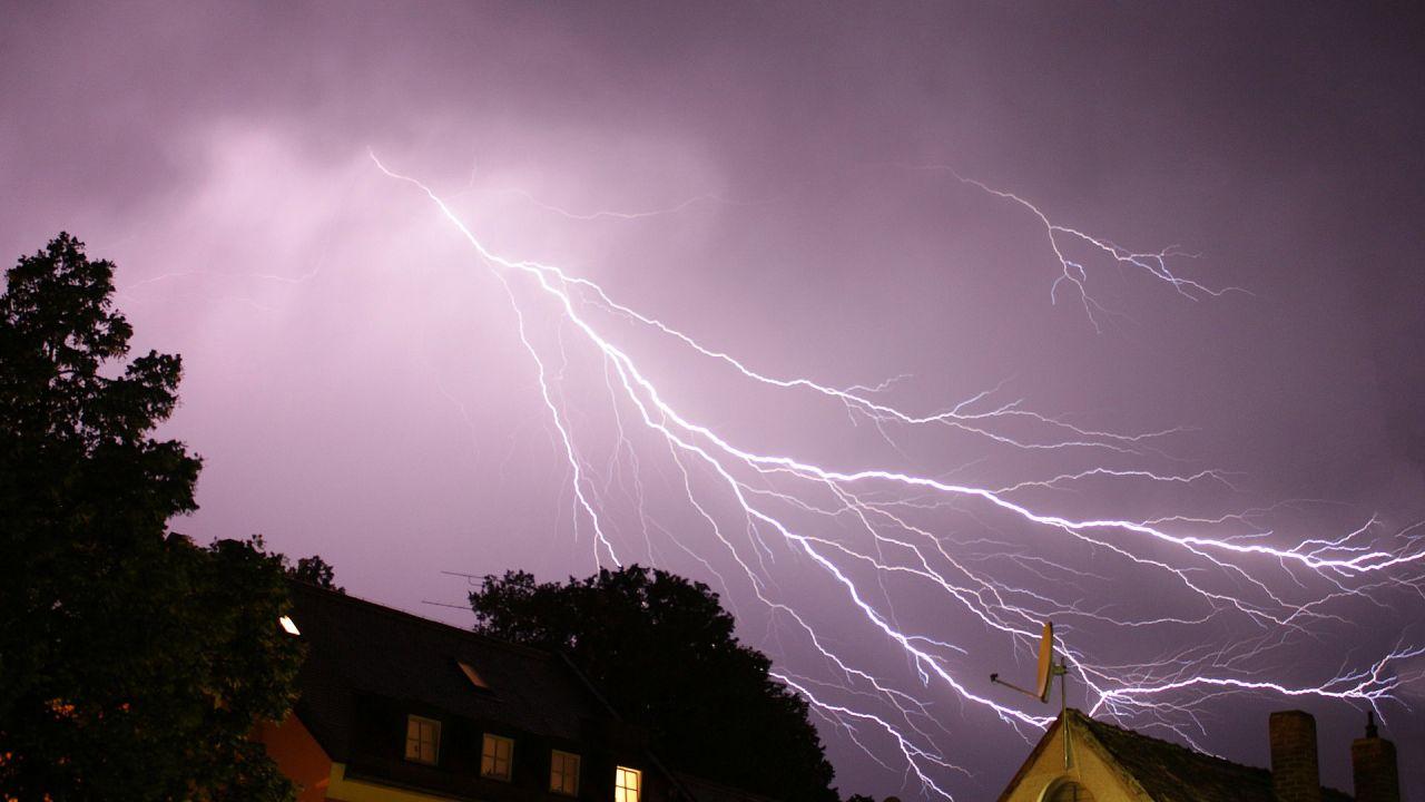 Intensywne opady deszczu mogą spowodować lokalne podtopienia  (fot. mannii2705/pixabay)