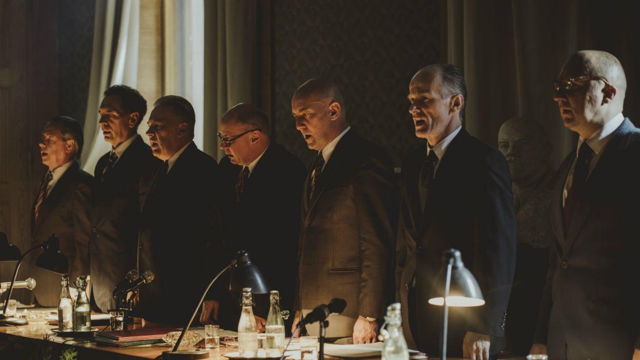W bezwzględnej rozgrywce politycznej ludzkie losy i troska o społeczeństwo znajdowały się na drugim planie (fot. Stanisław Loba/TVP)