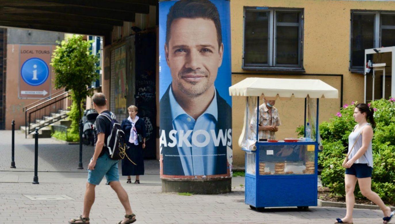 Wg badania maleje odsetek niezdecydowanych wyborców (fot. Artur Widak/NurPhoto via Getty Images)